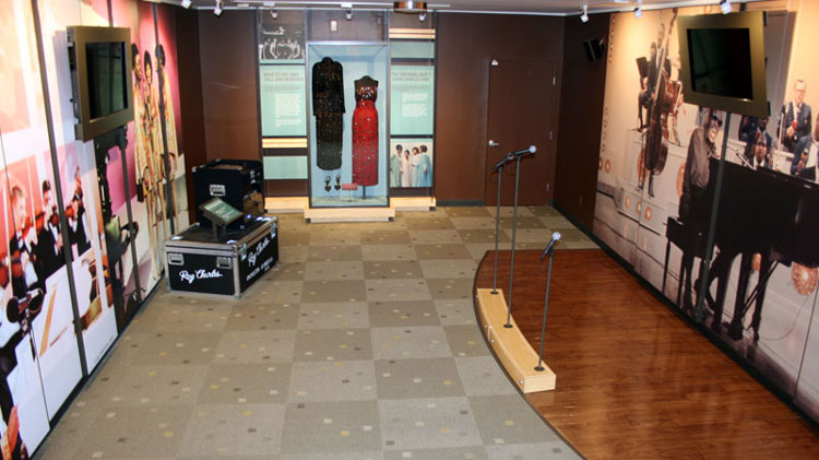 ray-charles-museum-stage