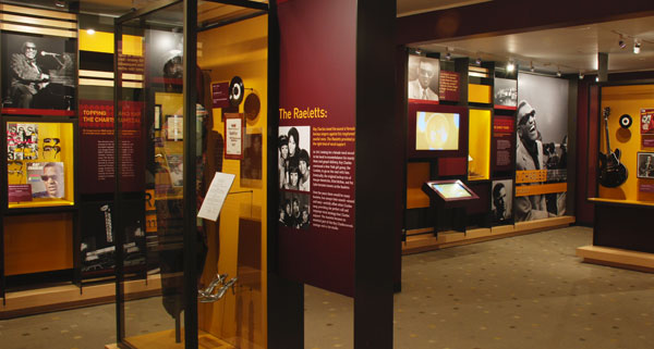 Audio visual installation by MODE Systems in the Ray Charles Museum Raelettes